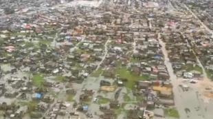 El puerto mozambiqueño de Beira, sumergido bajo las aguas debido a las inundaciones que dejó a su paso el ciclón Idai. Beira, Mozambique. 18 de marzo de 2019.