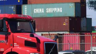 Des conteneurs chinois au port de Long Beach, en Californie, le 6 juillet 2018.