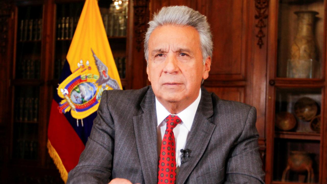 Fotografía del presidente ecuatoriano Lenin Moreno cuando anunció la liberación del precio de las gasolinas tras eliminar el subsidio, en Quito, el 1 de octubre de 2019.