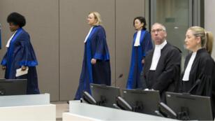Des juges de la Cour pénale internationale, en mars 2016 à la Haye.
