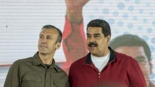 Le vice-président vénézuélien, Tareck El Aissami (à gauche), lors d'un rassemblement à Caracas, le 31 janvier 2017.