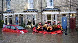 Dans la cité touristique de York, environ 300 personnes ont été évacuées suite aux inondations.