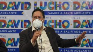 Luis Arce, quien fue ministro de Economía en el gobierno de Morales (2006-2019), tiene el 29,2% de las preferencias, seguido por el expresidente de centro Carlos Mesa con 19%, para los comicios del 18 de octubre, de acuerdo al sondeo de la fundación católica Jubileo y una red de universidades.