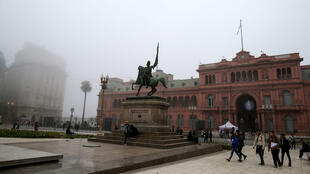 El Palacio Presidencial Casa Rosada se ve en Buenos Aires, Argentina, el 30 de junio de 2018.