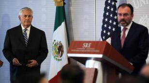 Le secrétaire d'État Rex Tillerson et le ministre des Affaires étrangères Luis Videgaray ont tenu une conférence de presse commune le 23 février 2017.