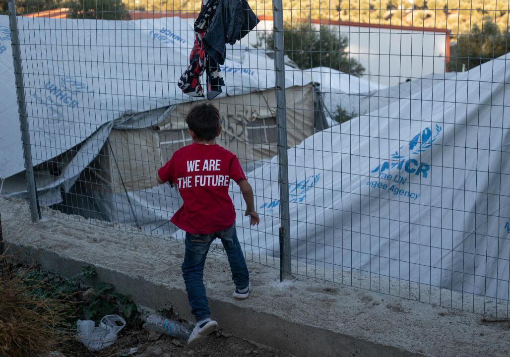 Un enfant sur l'île grecque de Lesbos.