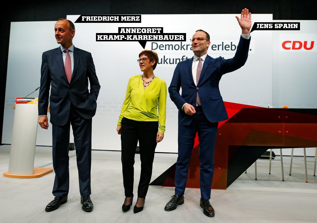 Friedrich Merz , Annegret Kramp-Karrenbauer y Jens Spahn asistir a una conferencia regional en Düsseldorf, Alemania, 28 de noviembre de 2018.