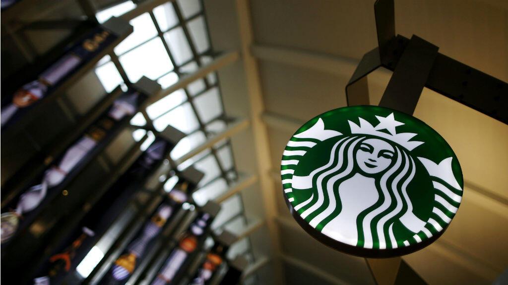 Starbucks capacita a empleados contra la discriminación. Foto tomada el 27 de octubre de 2015.