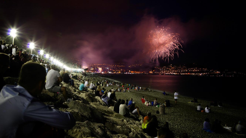 Feu d'artifice sur la promenade des Anglais à Nice, le 14 juillet 2014.