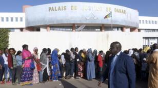 Le premier procès de Khalifa Sall au palais de justice de Dakar, en décembre 2017, avait déjà attiré les foules.