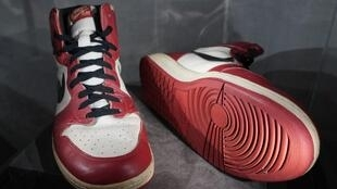 The Air Jordan 1 High, which Michael Jordan wore when he smashed the net's glass backboard during an exhibition game in Italy in 1985, are expected to sell for up to $850,000 at auction