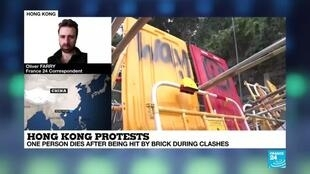 2019-11-14 18:18 Hong Kong protests: one person dies after being hit by brick during clashes