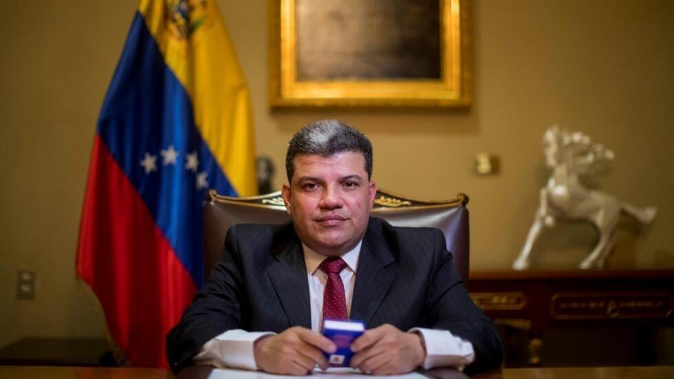Parlamento en Venezuela debe salir del desacato, afirma su presidente