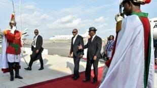 بدأ الزعماء الأفارقة والأوروبيون في الوصول لعاصمة ساحل العاج أبيدجان للمشاركة في القمة الأوروبية الأفريقية.