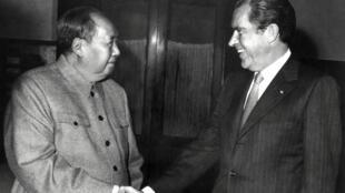 Mao Zedong et Richard Nixon lors du voyage historique du président américain à Pékin le 22 février 1972