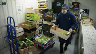 Imagen de archivo. Un almacén de distribución de frutas y verduras, Londres, Reino Unido, el 5 de diciembre de 2018.