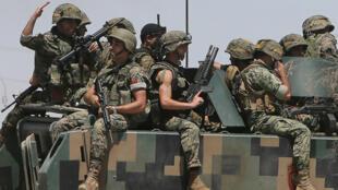 Blindé libanais à l'entrée d'Aarsal, lundi 4 août
