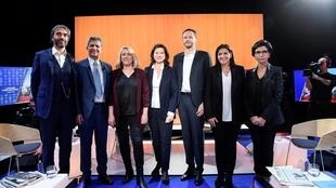 Los siete candidatos a la alcaldía de Paris posan antes del debate transmitido por televisión el 4 de marzo de 2020 en boulogne-Billancourt, cerca a la capital