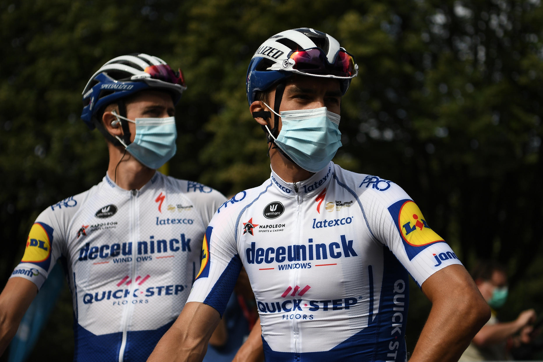 Les coureurs du Tour de France devront porter le masque en toutes circonstances, sauf durant la course.