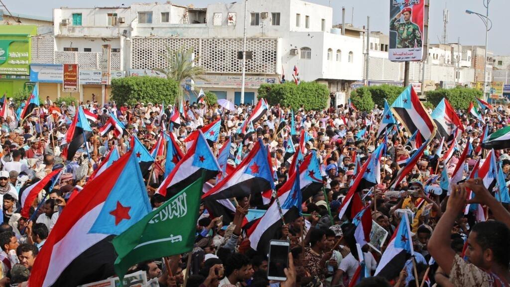 اليمن: لجنة عسكرية سعودية إماراتية مشتركة تصل عدن لبحث انسحاب الانفصاليين