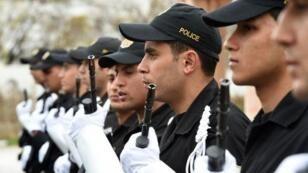 أفراد من الشرطة التونسية