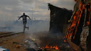 Dans le bidonville de Kibera, bastion de l'opposition, les affrontements entre manifestants et forces de l'ordre ont fait plusieurs morts.