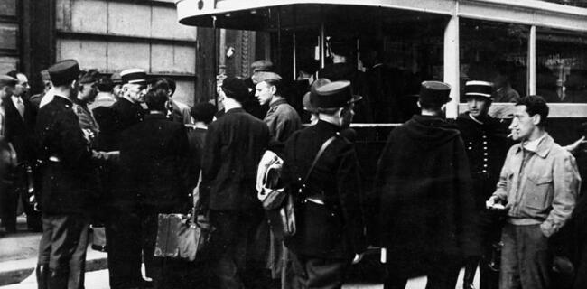 French police arrest Jews in Paris on August 20, 1941
