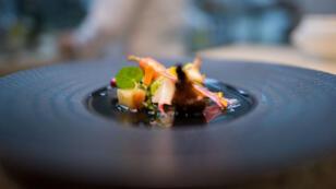 """Assiette du restaurant français """"Paris rouge""""  présentée lors de l'événement culinaire """"Goût de France / Good France"""""""