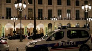 Les braqueurs ont dérobé des bijoux d'une valeur totale approchant les 4 millions d'euros, trois d'entre eux ont été arrêtés par la police.