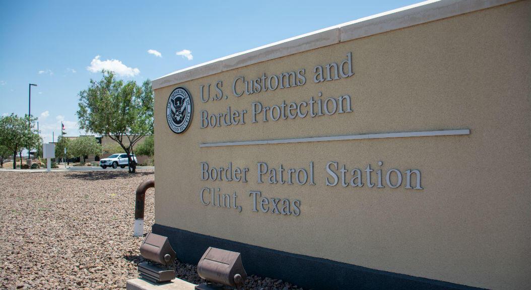 Imagen de un centro de detención de inmigrantes en la fronteriza ciudad de Clint, en el estado Texas, donde un grupo de abogados encontró a cientos de niños en condiciones insalubres.