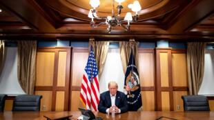 El presidente estadounidense, Donald Trump, en el hospital militar Walter Reed, Maryland, el 4 de octubre de 2020