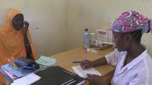 """Le programme de prévention afin de lutter contre la malnutrition, appelé """"1 000 jours"""", est implanté au cœur des villages pour inciter les femmes à se faire soigner."""