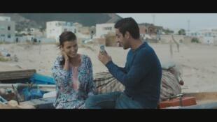 """محمد أمين حمزاوي وعبير بناني (فؤاد وكريمة) في إحدى مشاهد """"شرش"""""""