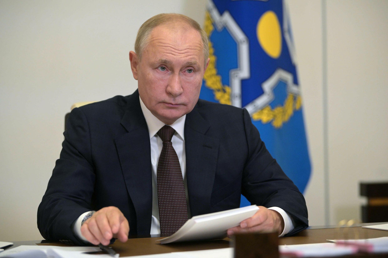 الرئيس الروسي فلاديمير بوتين مشاركا في اجتماع عبر الفيديو لمنظمة معاهدة الامن الجماعي من مقره في نوفو-اوغاريوف قرب موسكو في 16 ايلول/سبتمبر 2021.