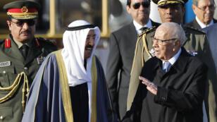 Le président tunisien Béji Caïd Essebsi accueille l'émir du Koweit, cheikh Sabah al-Ahmad al-Jaber al-Sabah, à Tunis, le 30mars2019.
