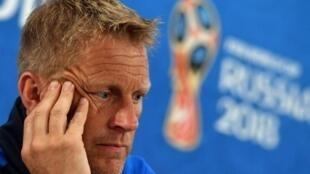 مدرب منتخب إيسلندا لكرة القدم هيمير هالغريمسون الذي أعلن تخليه عن مهامه، في صورة أرشيفية خلال مؤتمر صحفي في مونديال روسيا، 25 يونيو 2018