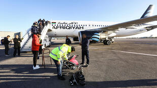 طائرة ليبية في مطار طرابلس