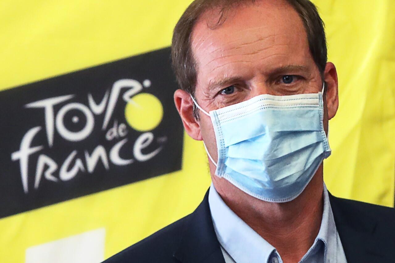 Christian Prudhomme da una rueda de prensa para explicar las medidas sanitarias establecidas para evitar contagios del nuevo coronavirus en Niza, Francia. 19 de agosto de 2020.