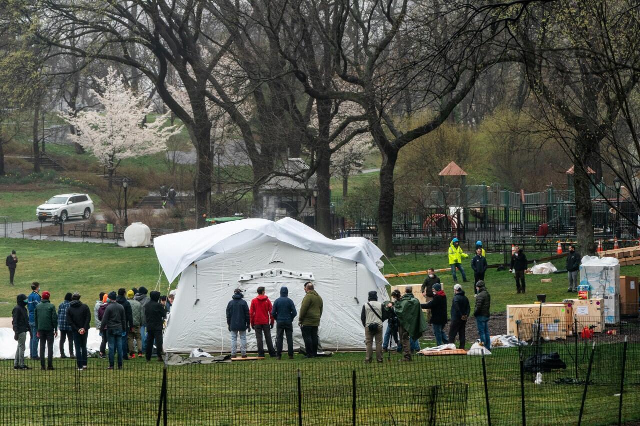 El personal de Samaritan's Purse tendrá un hospital de campo de emergencia en Central Park durante el brote de la enfermedad de coronavirus en la ciudad de Nueva York, EE. UU., el 29 de marzo de 2020.