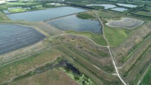 Le réservoir de l'ancienne usine de phosphate de Piney Point, Floride, États-Unis, le 3 avril 2021.