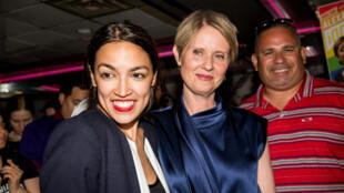 Alexandria Ocasio-Cortez en compagnie de Cynthia Nixon, le 26 juin a New York