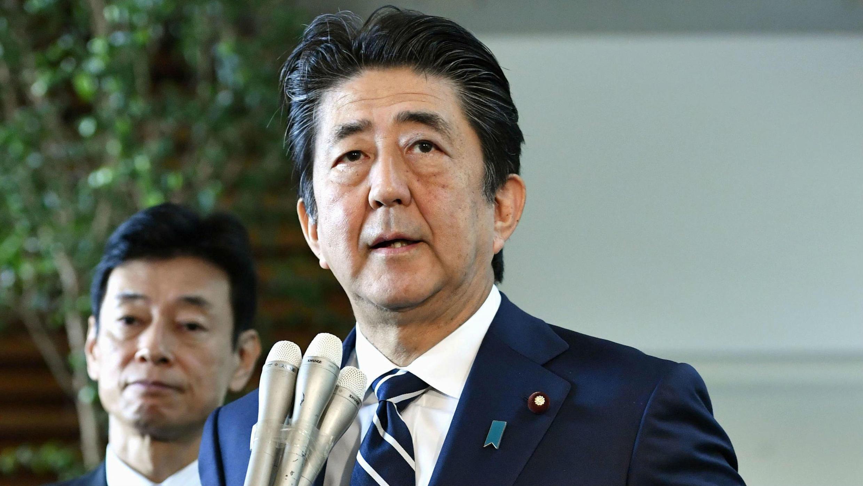 El primer ministro, Shinzo Abe, habla a los medios de comunicación en su residencia oficial en Tokio, Japón, el 23 de agosto de 2019.