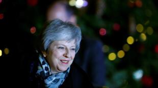 La Première ministre britannique, Theresa May, devant le 10Downing Street à Londres, le 12décembre2018.