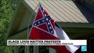 2020-06-29 10:11 Mississippi votes to remove Confederate symbol from flag
