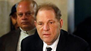 L'ancien producteur de cinéma Harvey Weinstein arrive à son procès, le 6 janvier2020 à New York.