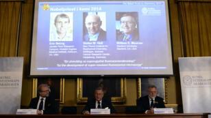 Le comité Nobel a récompensé des recherches améliorant les études au microscope.
