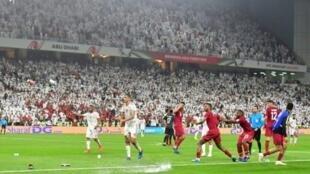 خسارة الإمارات المضيفة أمام غريمتها قطر صفر-4 في نصف نهائي كأس آسيا 2019