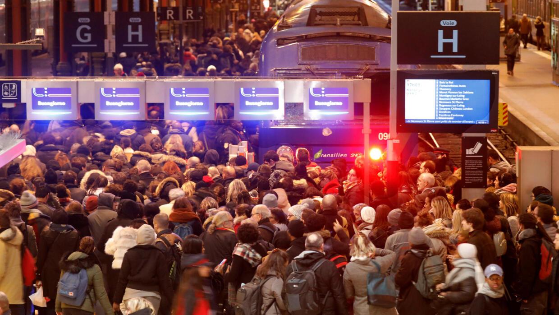 Cohue à la gare de Lyon, à Paris, le 12 décembre 2019.