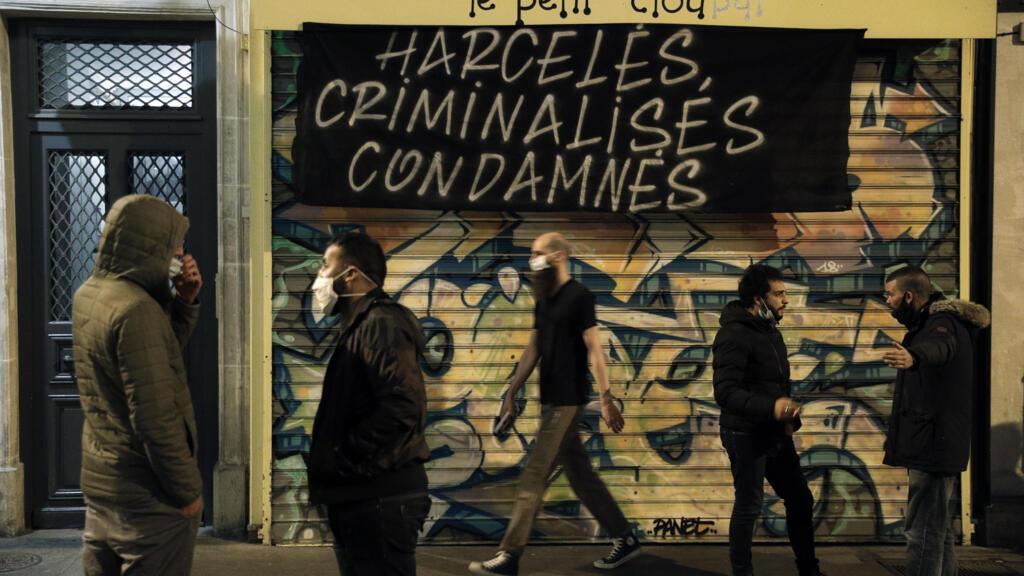 Covid-19 : dans les grandes villes françaises, les bars ferment désormais à 22 h