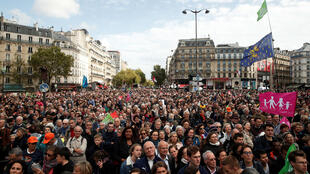 Miles de manifestantes se dieron cita en las calles de París en rechazo a la propuesta de reproducción asistida financiada con fondos públicos para todas las mujeres, entre ellas mujeres homosexuales o solteras.  París, Francia. 06/10/2019.